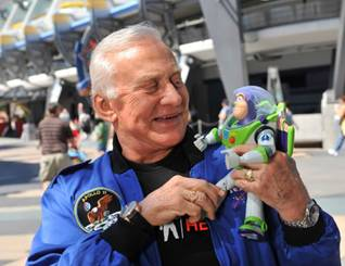 Buzz Lightyear y Buzz Aldrin